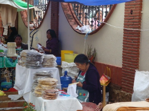Tostadas_fresh_bread_and_licuados