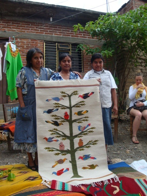 The_three_sisters_with_a_tree_of_life_tapete