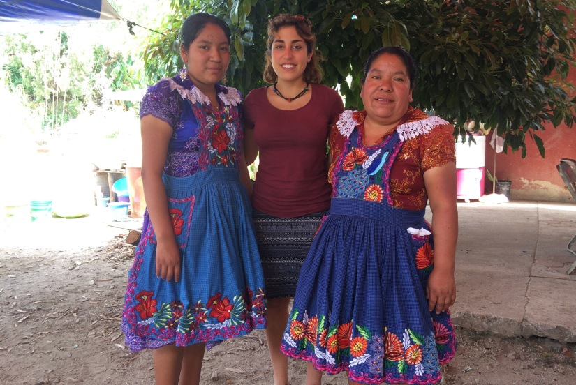 Volunteer photographer, Maddalena with two borrowers from the San Miguel del Valle community.