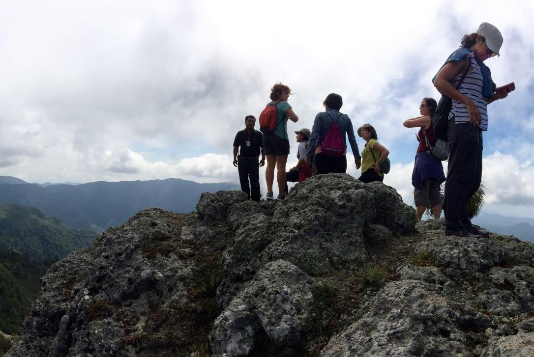 Hiking trip in San Miguel del Valle with the Fundación En Vía crew.