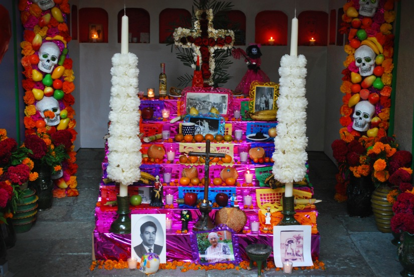 Vibrant family altar in the city center.