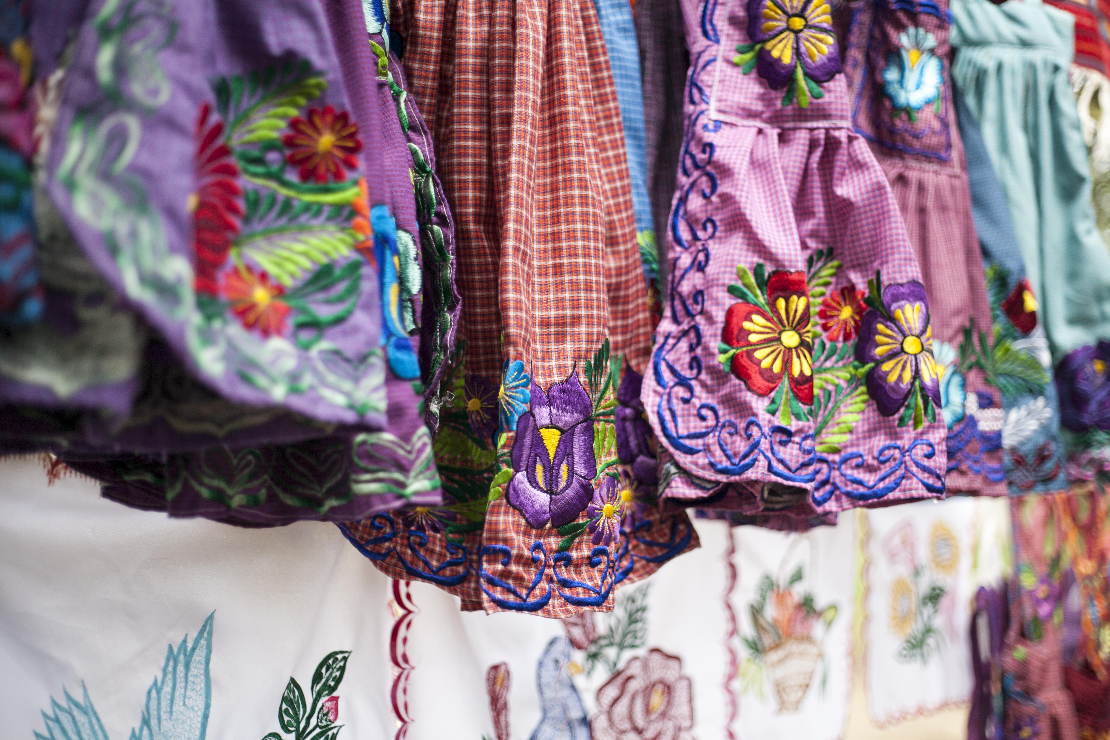 Aprons from San Miguel del Valle made by Fundación En Vía borrowers